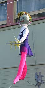 Tight rope scarecrow